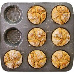 Zsemle sütőforma 9 adagos perforált fém sütőforma